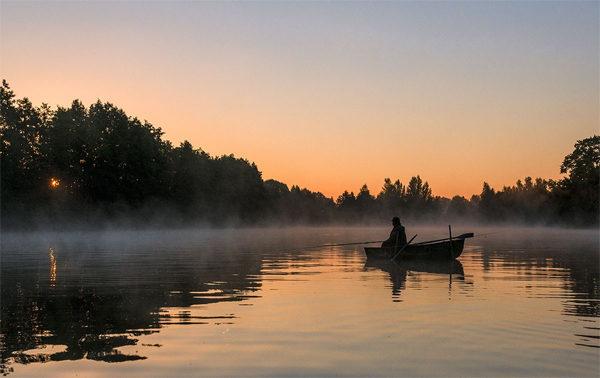 Зорька на реке