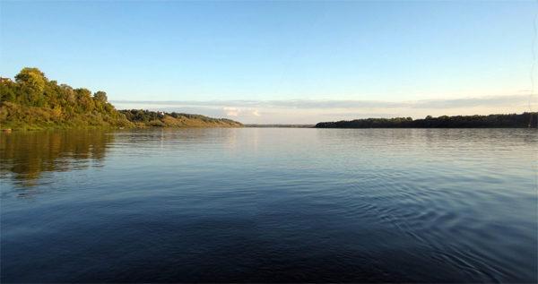 Летняя река