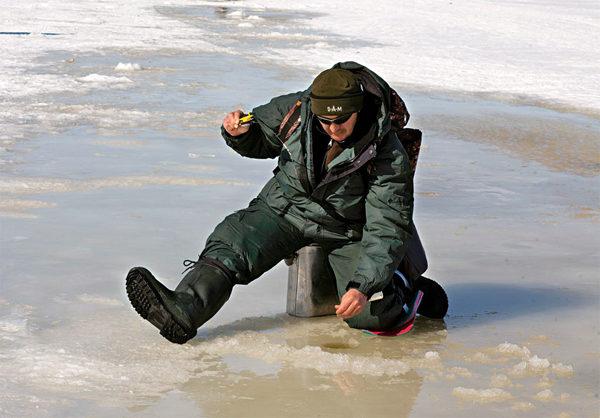 Последний лед на реке