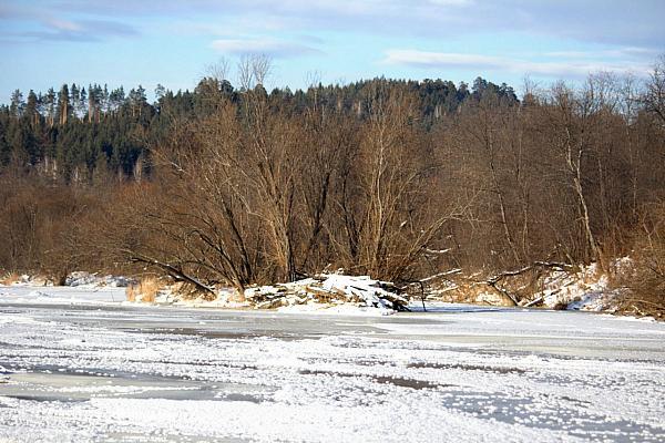 замерзшая река
